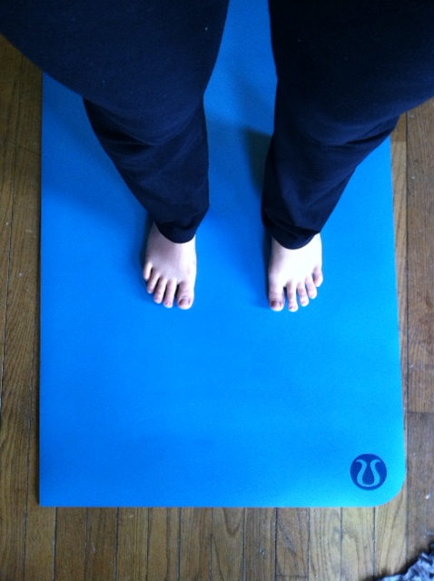 My toes looking pale on my brand-spanking-new complimentary fancy yoga mat!